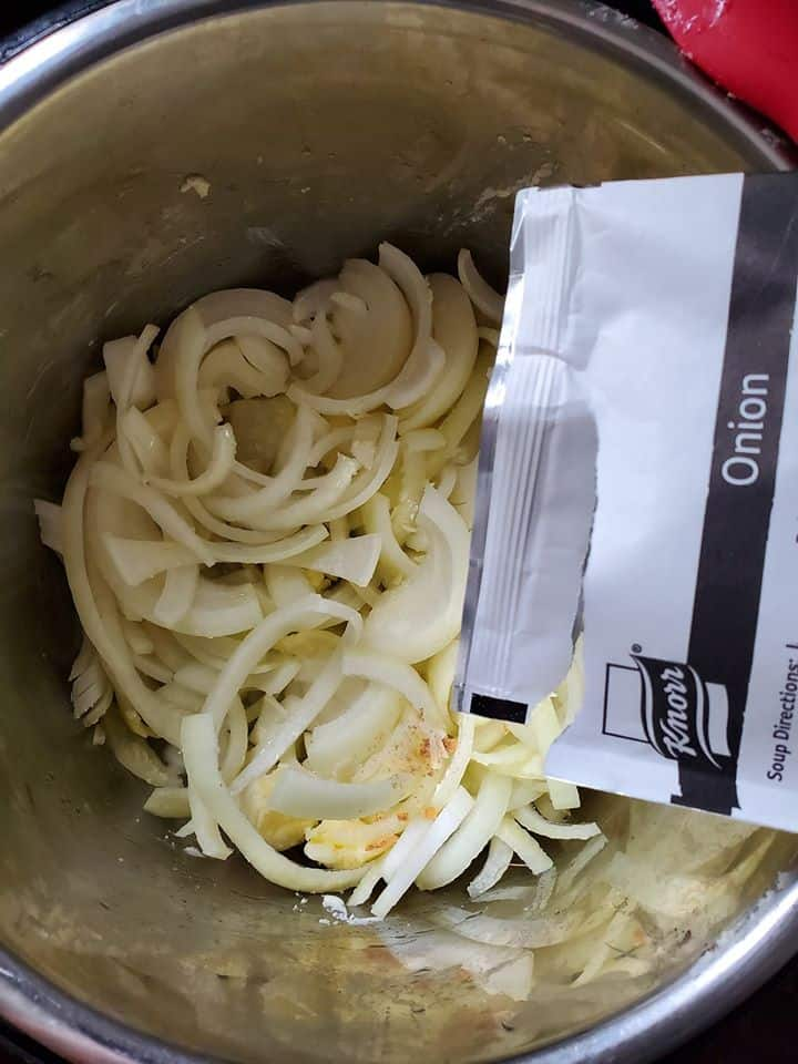 HOW TO MAKE FRENCH ONION SOUP INSTANT POT