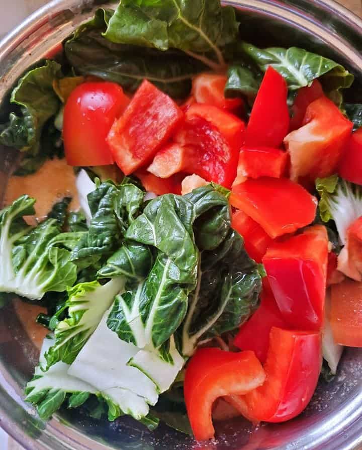 making red thai curry